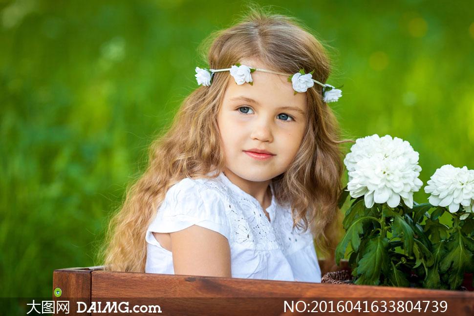 头戴发箍的可爱小女孩摄影高清图片