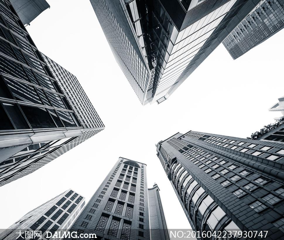 键 词: 高清大图图片素材摄影城市建筑物楼房大楼高楼大厦建筑群仰视