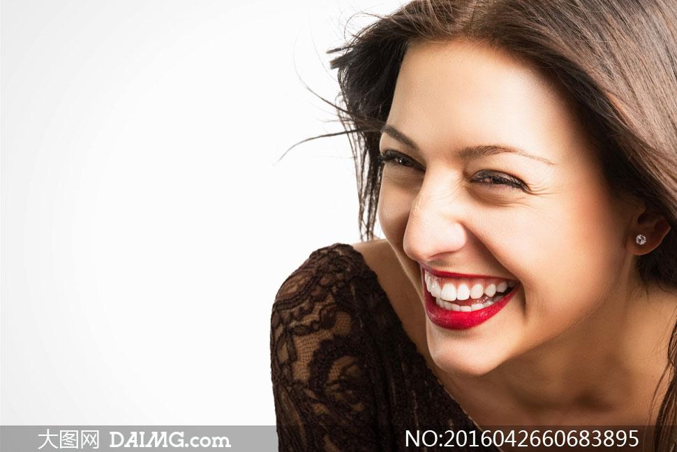 红唇皓齿长发美女人物摄影高清图片