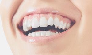 美白牙齿美女人物局部特写高清图片
