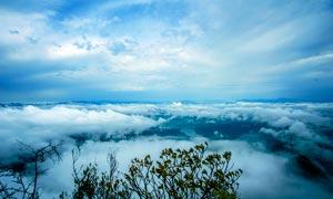 山顶唯美的云雾云海摄影图片