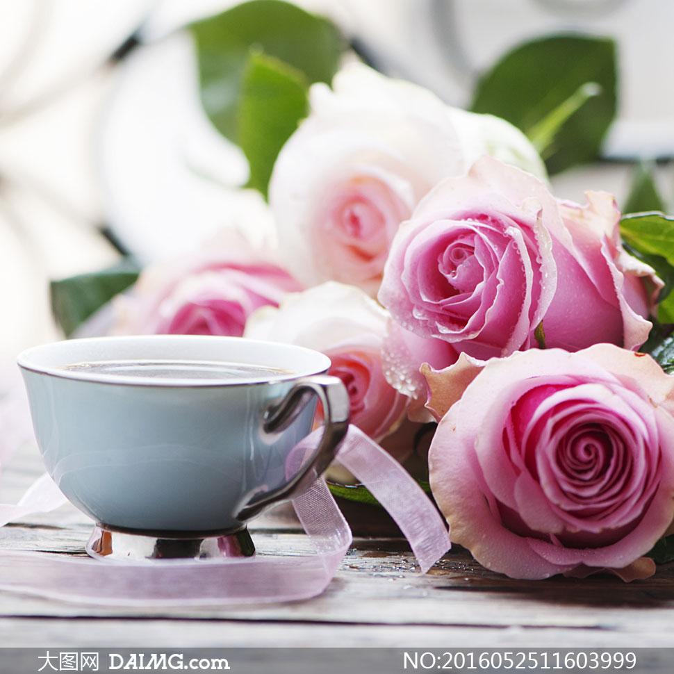 词: 高清大图图片素材摄影近景特写微距玫瑰花粉红色鲜花花朵杯子咖啡