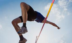 背越式跳高的运动人物摄影高清图片