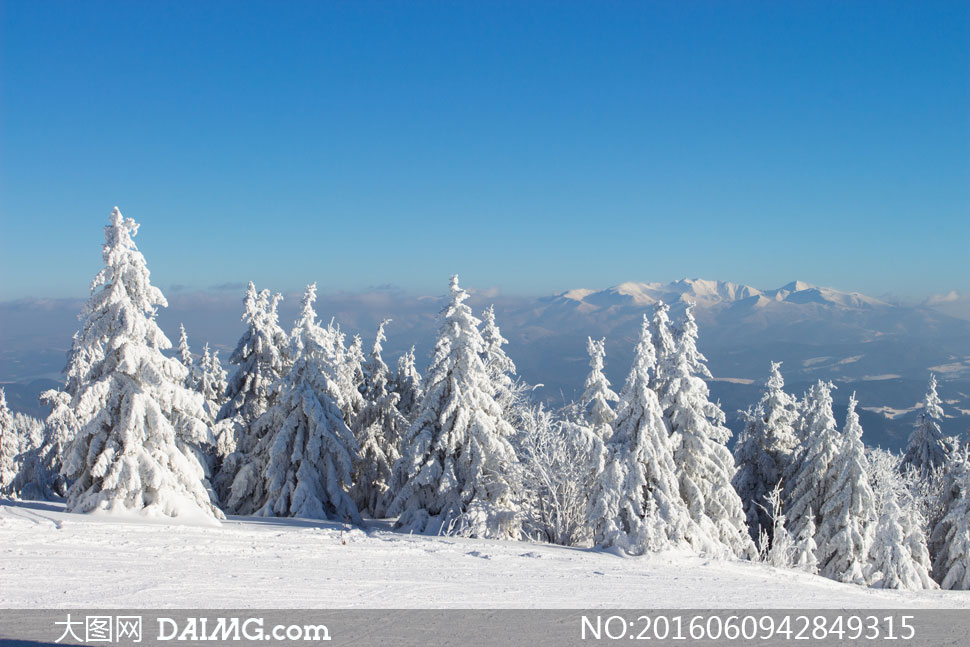 词: 高清大图图片素材摄影自然风景风光天空蓝天蔚蓝远山群山雪山树木