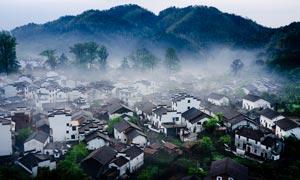 清晨婺源村落村庄摄影图片
