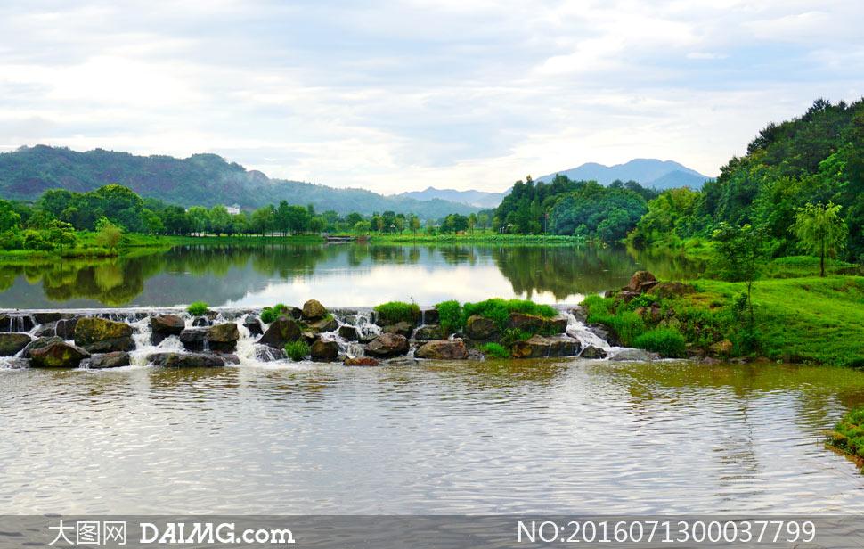 高清图片 旅游风光 > 素材信息                          秦皇岛海滩