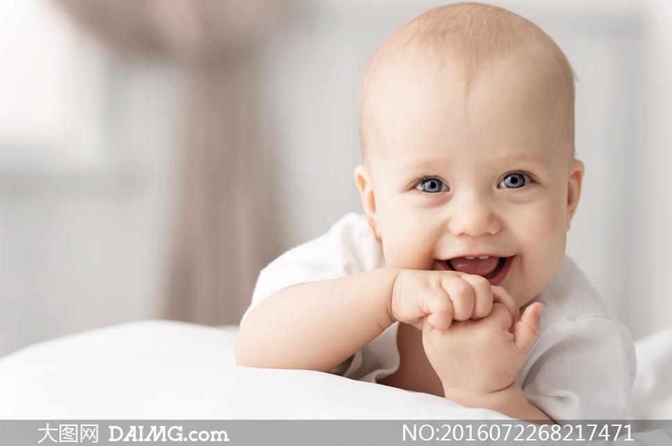 可爱快乐宝宝近景写真摄影高清图片