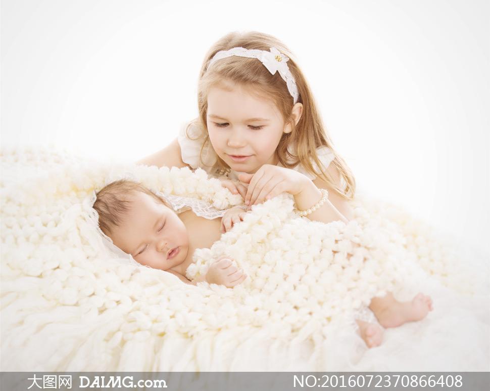 可爱小宝宝婴儿睡觉睡着入睡小女孩发饰头饰发带头带