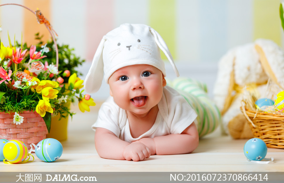 彩蛋花篮与可爱的宝宝摄影高清图片