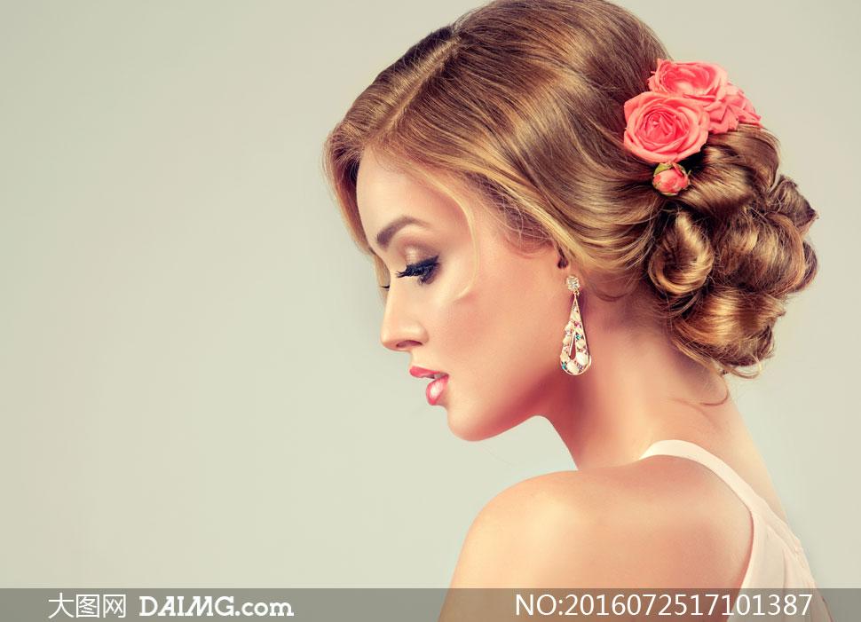 关 键 词: 高清大图图片素材摄影美女人物女人女性模特鲜花花朵花饰