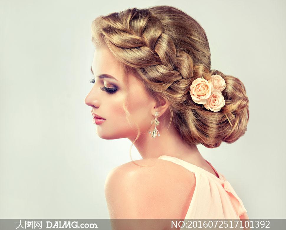 编发盘发造型妆容美女摄影高清图片