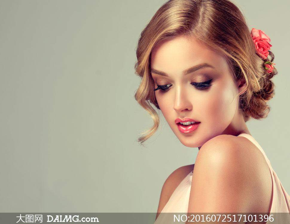 玫瑰头饰红唇浓妆美女摄影高清图片