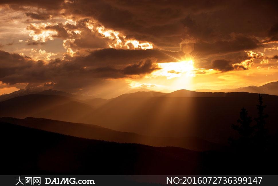 关 键 词: 高清大图图片素材摄影自然风景风光景观天空云彩云层多云
