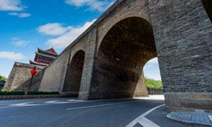 西安古城楼与拱形城门摄影高清图片