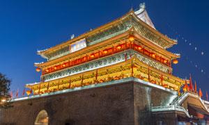 在夜晚亮着灯的西安钟鼓楼高清图片