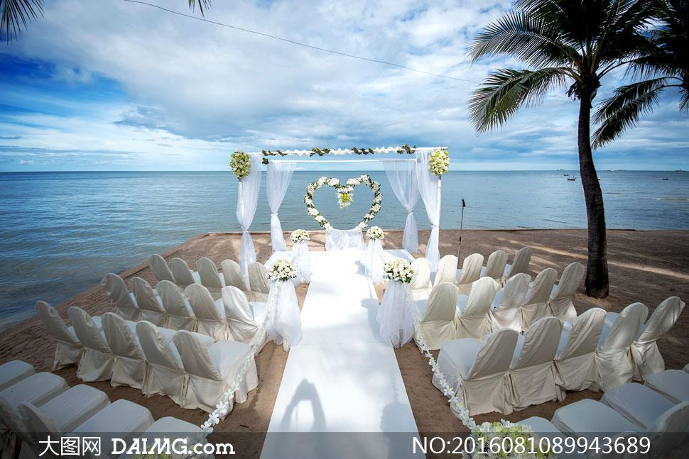 关 键 词: 高清大图图片素材摄影结婚婚庆婚纱现场心形桃心海边海水