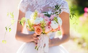 在新娘手里的花束特写摄影高清图片