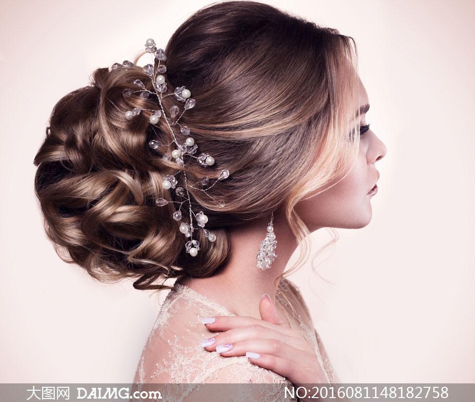 盘发造型新娘美女侧面摄影高清图片