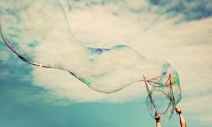 绚丽多彩的大肥皂泡泡摄影高清图片