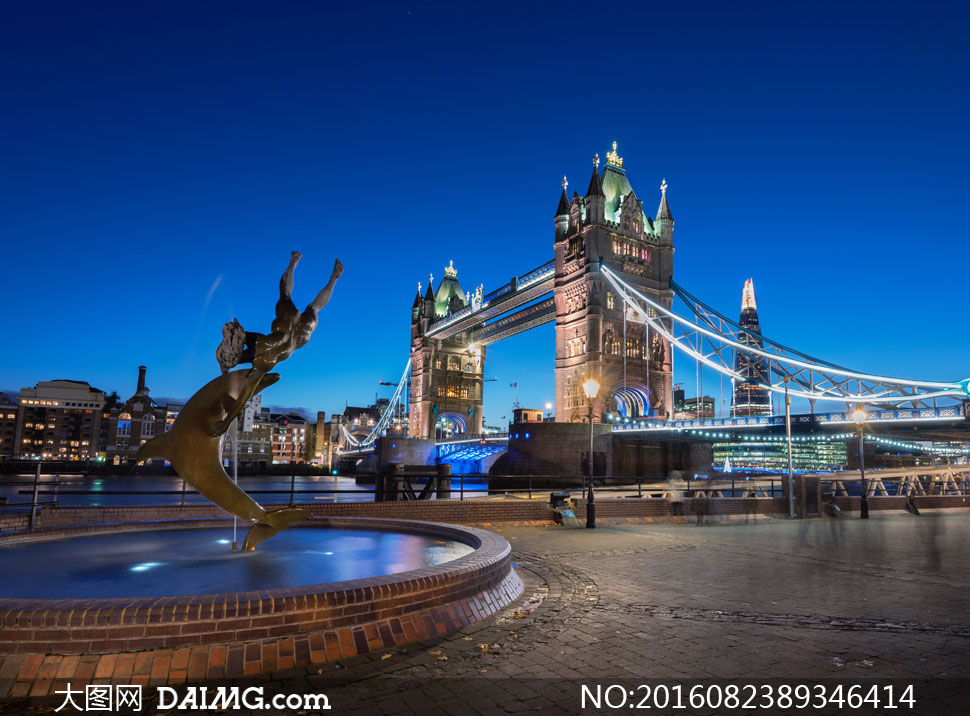 夜晚伦敦塔桥景观风光摄影高清图片
