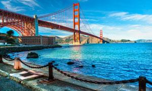 横跨金门海峡上的大桥摄影高清图片