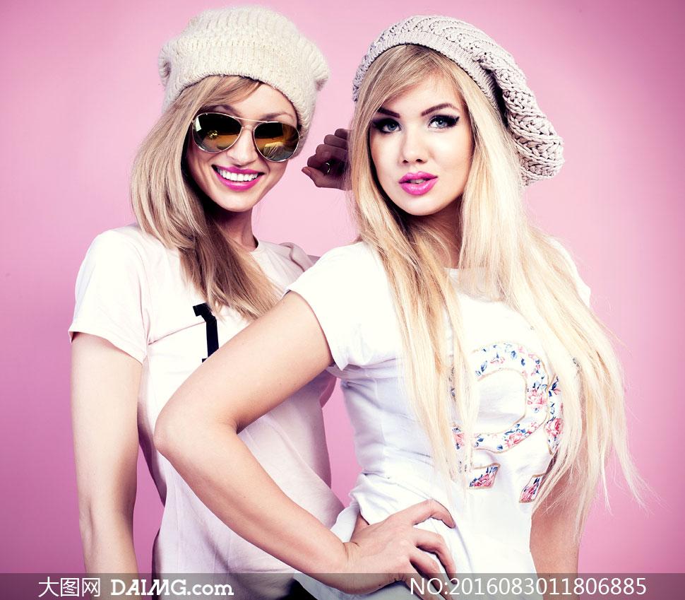 模特写真长发秀发金发服饰时装服装眼镜太阳镜墨镜唇妆红唇美妆妆容