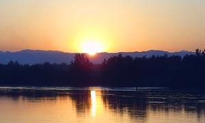 汾水夕阳美景摄影图片