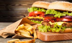 炸薯条与美味汉堡包等摄影高清图片