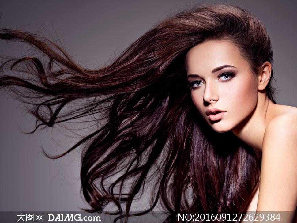 关 键 词: 高清摄影图片大图素材人物模特美女女人女性写真长发秀发