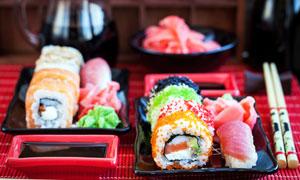 日式料理寿司与酱料等摄影高清图片