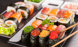 日式料理寿司特写近景摄影高清图片