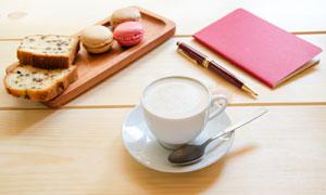 马卡龙饼干与咖啡杯等摄影高清图片