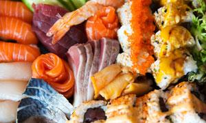 新鲜肉类食材与三文鱼寿司高清图片