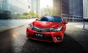 红色卡罗拉汽车宣传广告设计PSD素材