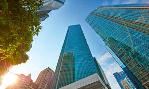 城市高楼建筑仰视视角摄影高清图片