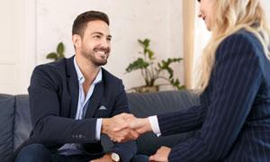 在会见客户的职场人物摄影高清图片