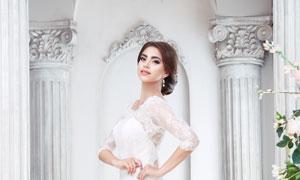 身穿白婚纱的新娘美女摄影高清图片