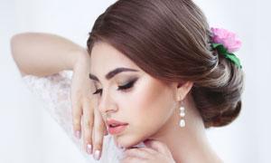 头发盘起来的美女新娘摄影高清图片