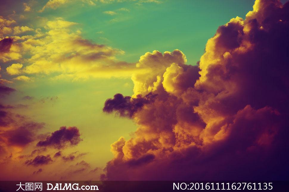 关 键 词: 高清图片大图素材摄影自然风景风光天空云彩云层多云云团