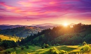 唯美的山顶日出景色摄影图片