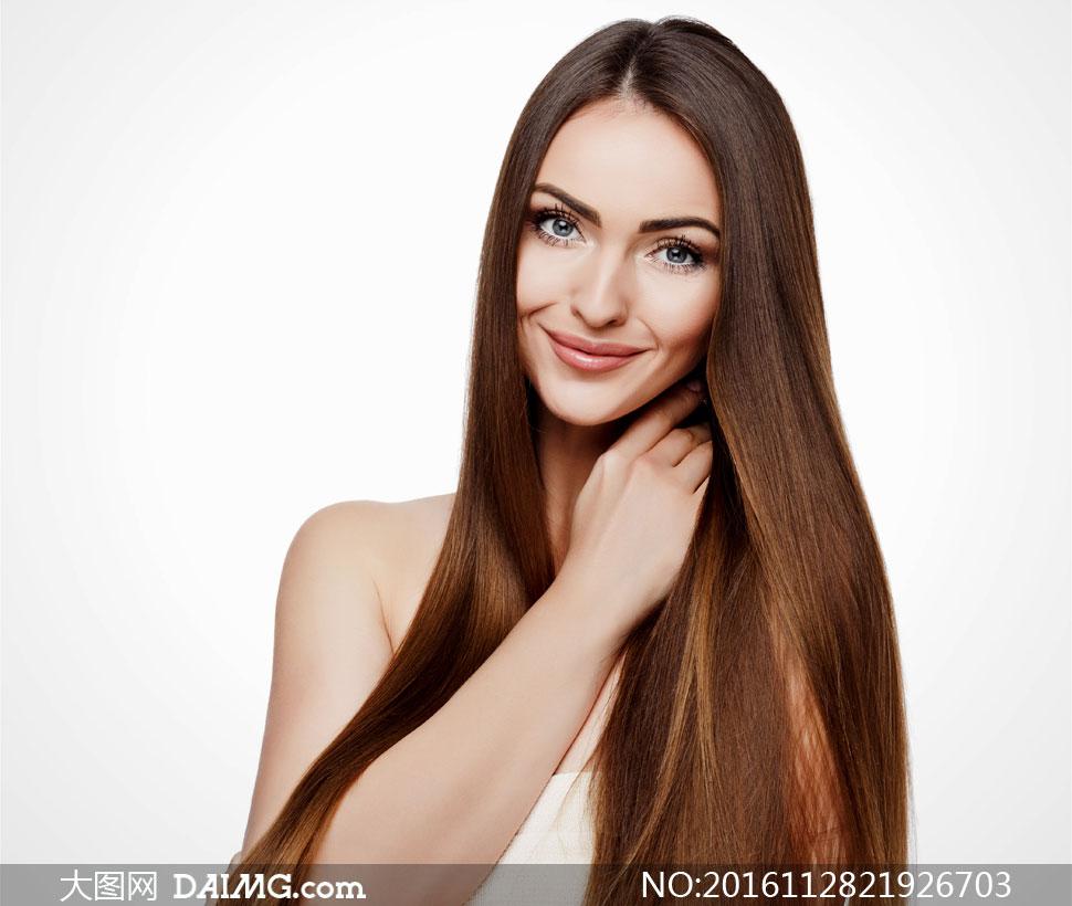 妆容护肤美发女人模特摄影高清图片         抹胸露肩装扮披肩秀发