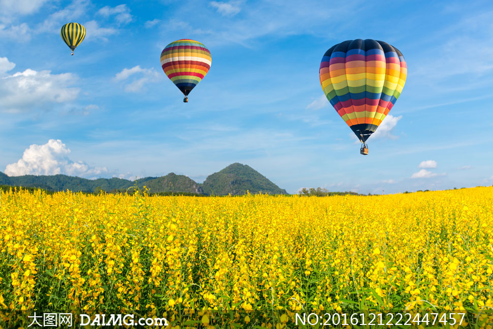 自然风景 > 素材信息          险峻山丘与热气球风光摄影高清图片