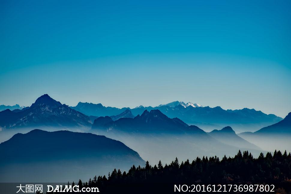 词: 高清大图图片素材摄影自然风景风光山峦群山远山高山大山山岭雾气