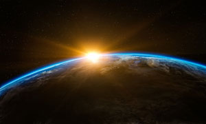 地平面升起的太陽風景攝影高清圖片