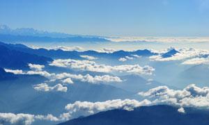 山顶美丽的云朵和云海摄影图片