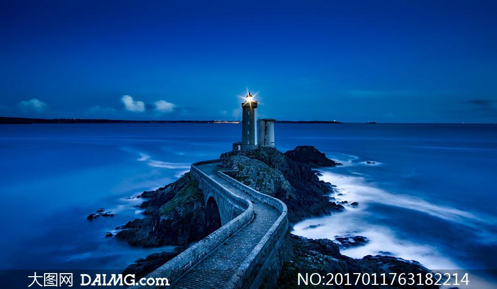 键 词: 高清大图图片素材摄影自然风景风光天空夜空夜晚夜景灯光灯塔