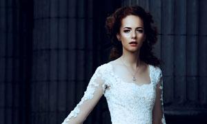 白色婚纱礼服新娘美女摄影高清图片
