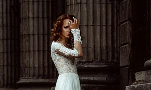白色蕾丝婚纱长裙美女摄影高清图片