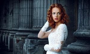 红唇卷发蕾丝裙装美女摄影高清图片