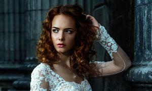 白色蕾丝婚纱装扮美女摄影高清图片